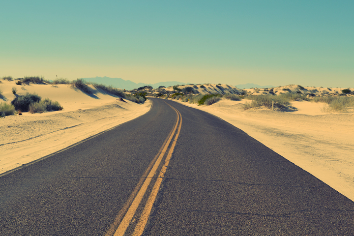 unslpash-desert-road_uvsq5s